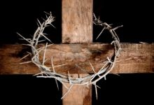 6187141-crown-of-thorns-hung-around-the-easter-cross